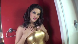 Sunny Leone showing her wet pussy in close up Thumbnail