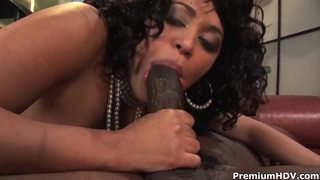 Curvy ebony Mone Divine has hot fantasy in garage