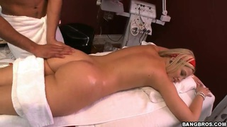 Hot ass blonde babe Alexis Texas does dirty massage Thumbnail