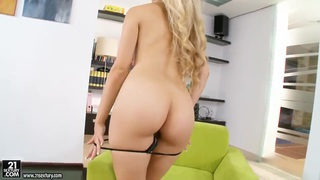 Blonde model Michelle Moist fingering twat