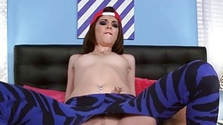 Guy fucks cute chick in her hole and magic mouth Thumbnail