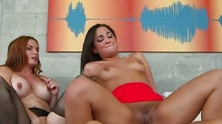 Milf Diamond Foxx and Amara Romani threesome