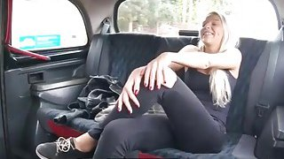 Sexy blonde babe fucked by the driver to off her fare Thumbnail